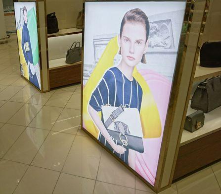 http://smartproject.ru/en/promotional-advertising-furla-displays/
